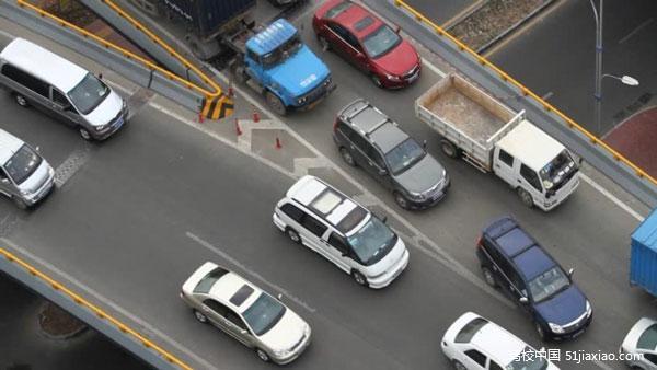 坚持安全第一原则 《智能网联汽车道路测试管理规范(试行)》正式发布